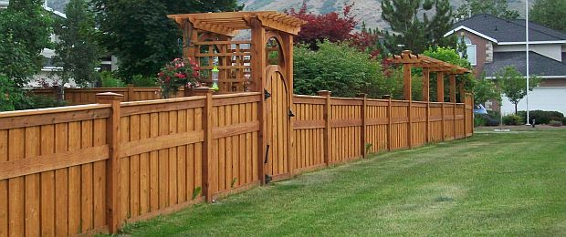Fence contractor in Brookhaven, Ga. Contact Viking Fence for a free consultation.