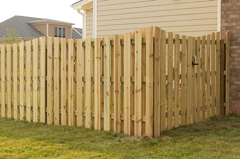 Wood Board Fence Installation Viking Fence Of Atlanta