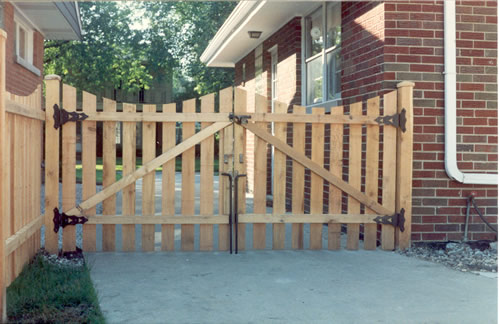 Viking Fence Atlanta offers wood fencing installation in Atlanta and surrounding areas.